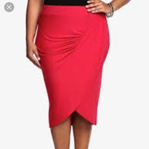Red Torrid Tulip Pencil Skirt
